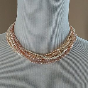 Jewelry - Vintage pink and white fresh water pearl necklace